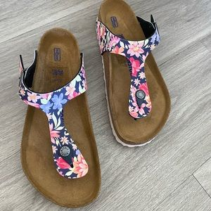 Birkenstock Gizeh Supernatural Flower Sandal